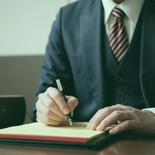 示談交渉(※必要に応じて裁判をする。)